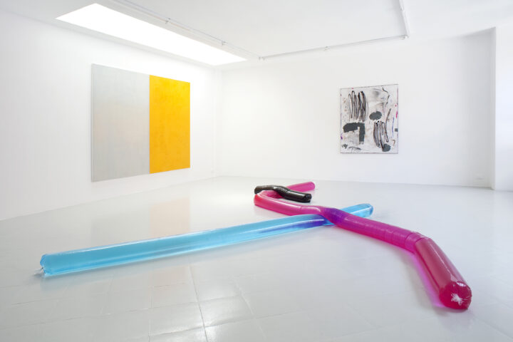 1 - Adrian Buschmann Mia Marfurt Henning Strassburger Tyra Tingleff Installation View 2015 - Courtesy Studiolo Milan Photo Filippo Armellin