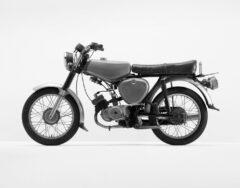 Grünes Motorrad (Simson)