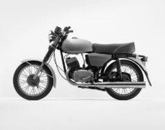 Grünes Motorrad (Jawa)